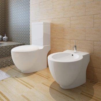 Bel keramičen kopalniški set stoječa WC školjka in bide